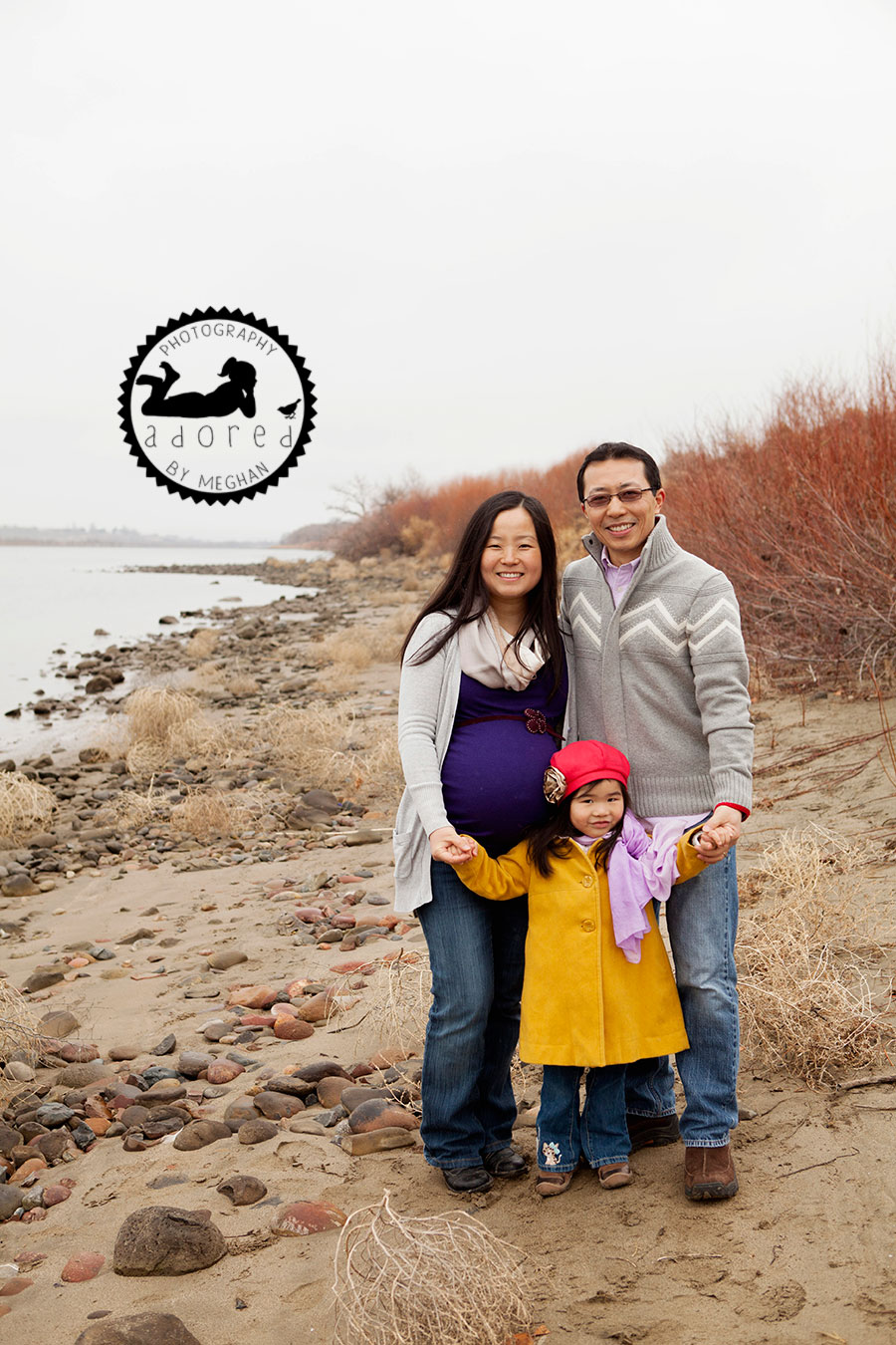 Richland, WA Maternity Photographer Adored b Meghan photography