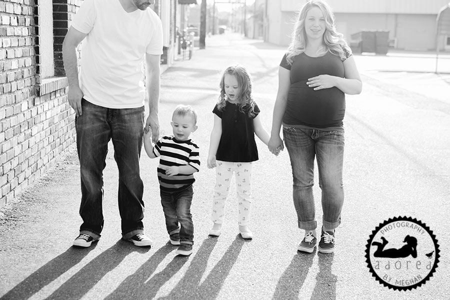 Kennewick, WA Maternity Photographer Adored by Meghan photography