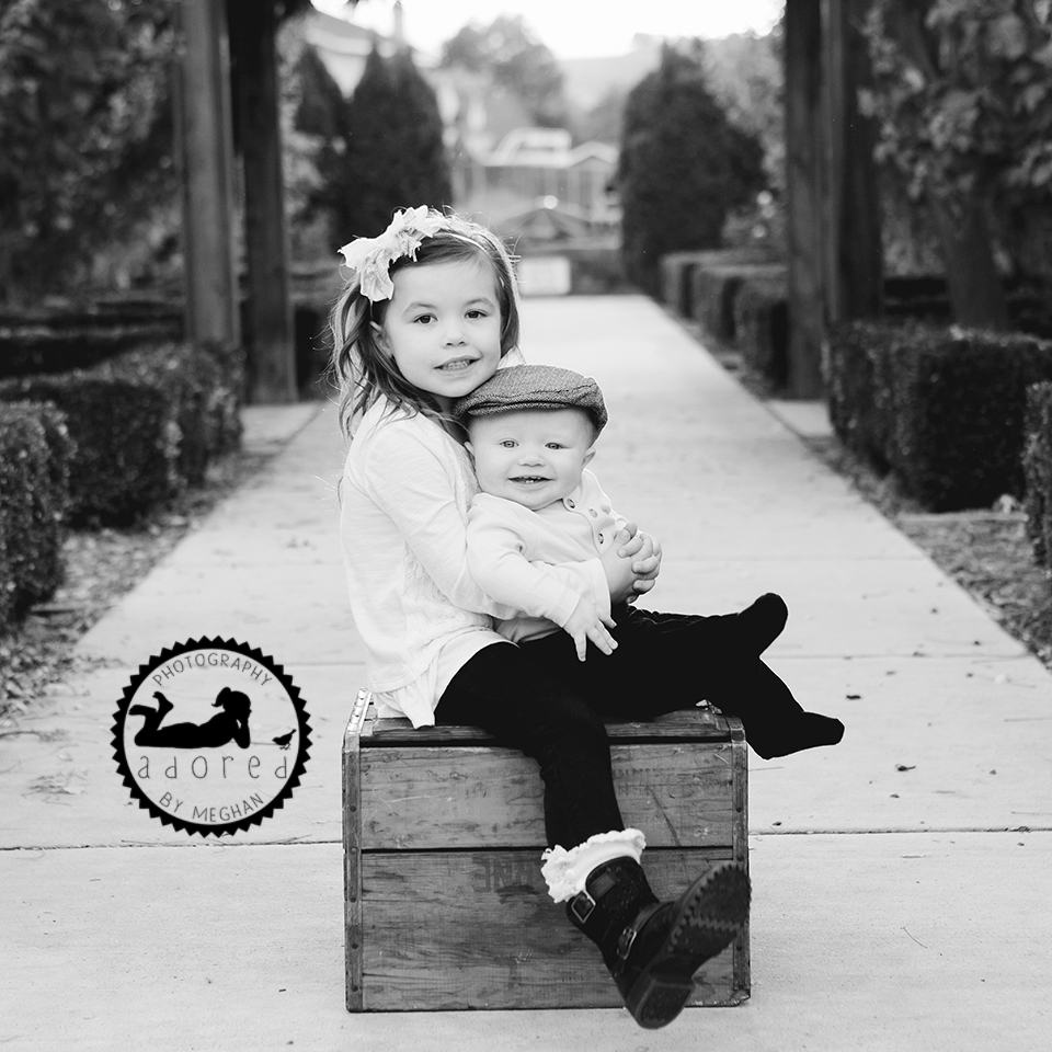 Richland Pasco Kennewick WA Baby Family Photographer Gardens at Kennewick Library on Union