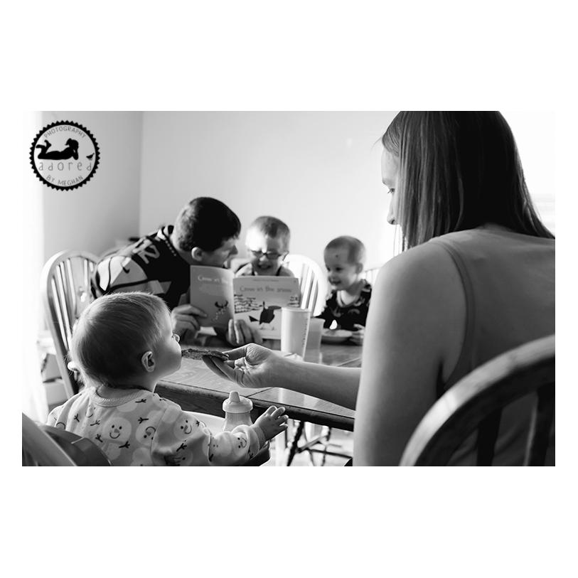 2015 Black & White Favorite Family Photo Morning breakfast lifestyle session
