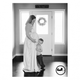 2015 Black & White Maternity Favorite Mother & Son lifestyle photo