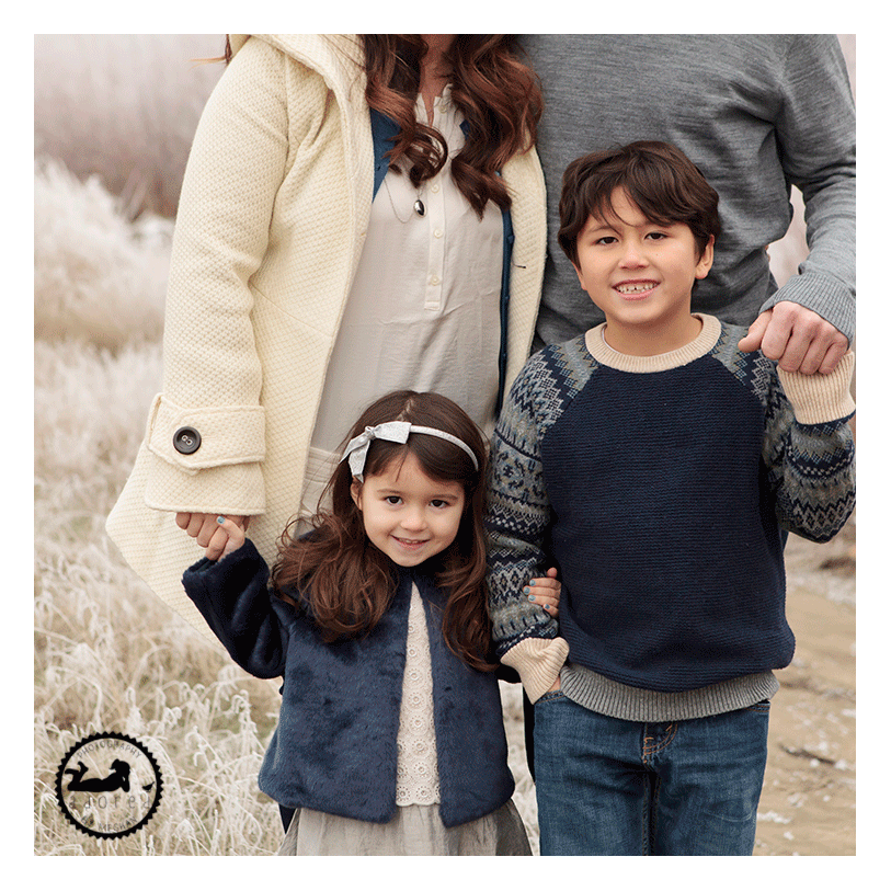 Family outfits for Fall photos. Frosty Afternoon, photography by Adored by Meghan Rickard.